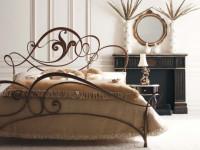 Кованая мебель в интерьере: на фото монументальная изысканность линий и форм