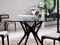 Стеклянный стол: идеи подбора красивого, модного и современного аксессуара + 59 фото