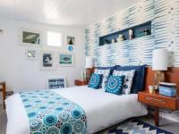 Как оформить комбинированные обои в спальне? Правильно сочетаем цвета и рисунки + фото