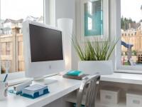 Компьютерные столы: от уютной классики до функционального модерна (79 фото + видео)