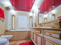 Натяжной потолок в ванной: 90 фото и проекты красивых идей оформления потолка